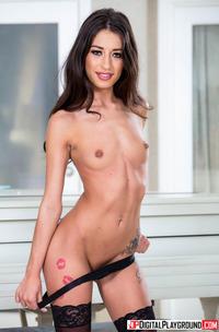 Brunette Hottie Addison Ryder Fucking In Sexy Lingerie