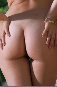 Erotic Teen Babe Indiana Blanc Stripping Naked