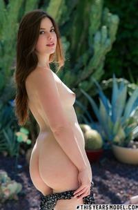 Nice Amateur Teen Model Rhea