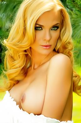 Presenting Nelly Georgieva, A Hot Bolgarian Model.