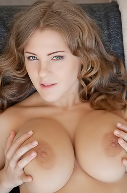 Viola Bailey Proudly Shows Off Her Big Boobs