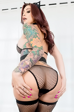 Sexy Tattooed Mature Pornstar Monique Alexander