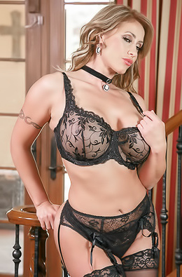 Busty MILF Babe Eva Notty In Sexy Black Lingerie