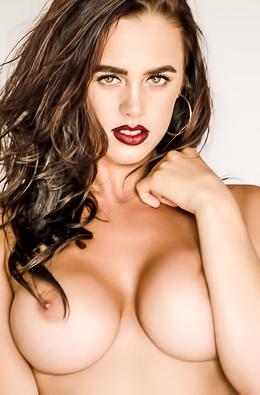 Perfect Topless Babe Lara Rose