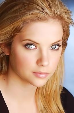 Sexy Pics Feat. Beautiful Model Ashley Benson