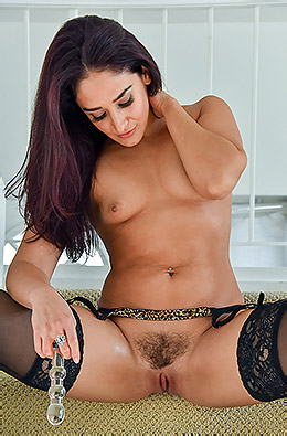 Sheena In Oiling Her Up