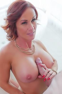 Sabrina Cyns In Spa Seduction