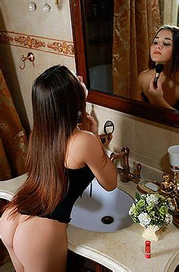 Stefany Sonri In Emerle