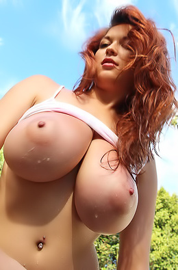 Tessa Fowler Big Boobs