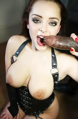 Curvy Babe Enjoys A Good Anal Fucking
