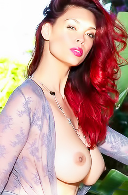 Super Pornstar Model Tera Patrick Shows Big Boobs