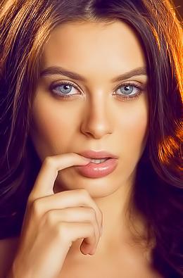 Gorgeous Brunette Lana Rhoades Fingers Her Wet Clit