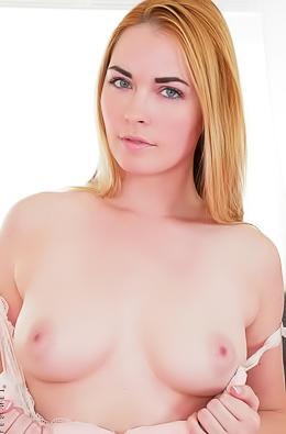 Pussy Closeup Show