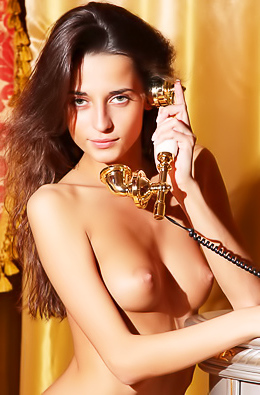 Stunning Nude Teen