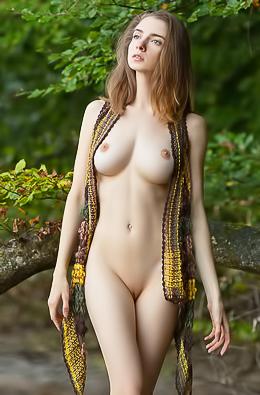 Busty Long Legged Beauty Mariposa