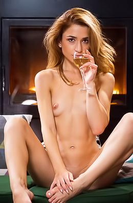 Glamorous Susie Masturbating By Fireplace