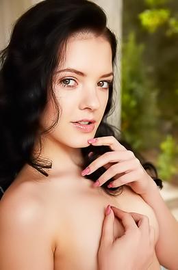 Czech cutie Anie Darling