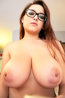 Fantastic Busty Chick Tessa Fowler