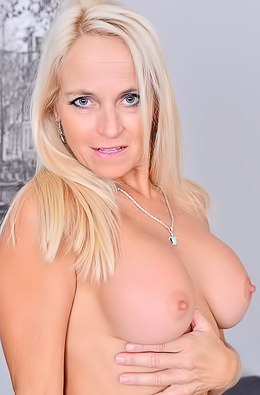 Blonde Babe Dani