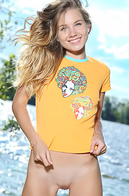 Lola Krit - Pure Femjoy
