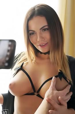 Vanessa Decker Tasting New Dick