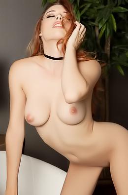 Hot Cybergirl Caitlin McSwain