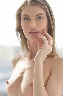 Naked Lovely Kendra