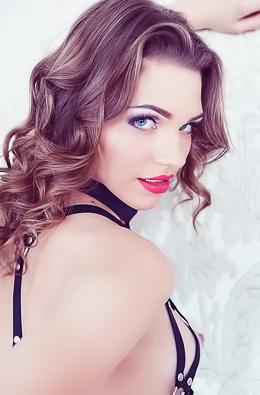 Stunning Vamp Mia Luna