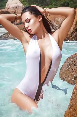 Anna Grigorenko Is Stranded On Hot Tropical Island