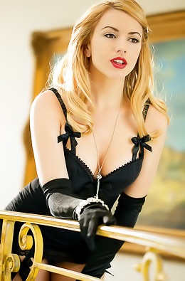Lexi Belle Wears Tight Corset And Black Stockings