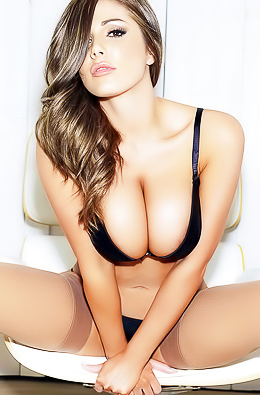 Join Voluptuous UK Model Lucy Pinder On A Hot Ride