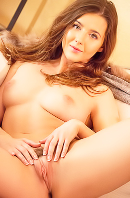 Sexy Young Babe Sybil Masturbating